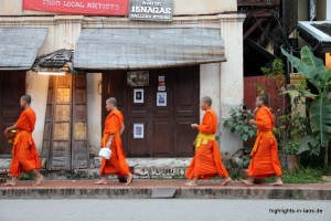 Almosengang der Mönche