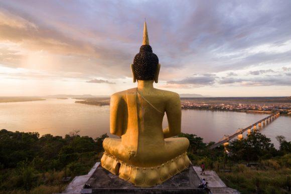 Goldener Buddha in Pakse