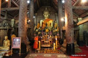 Buddha im Tempel in Laos