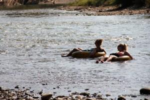 Tubing am Fluss