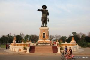 Statue von König Anouvong