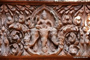 Verzierungen am Tempel: Elefanten